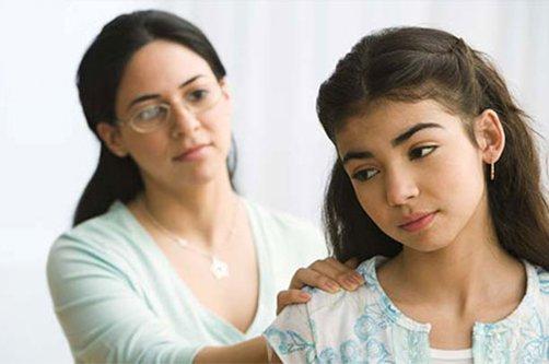 Переходный возраст у девочек признаки. Подростковый возраст у девочек со скольки. Когда и во сколько начинается переходный возраст у девочек что делать.